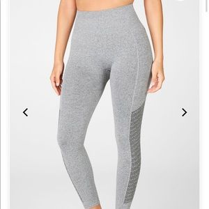 •FABLETICS• Sync High-Waisted Perforated 7/8